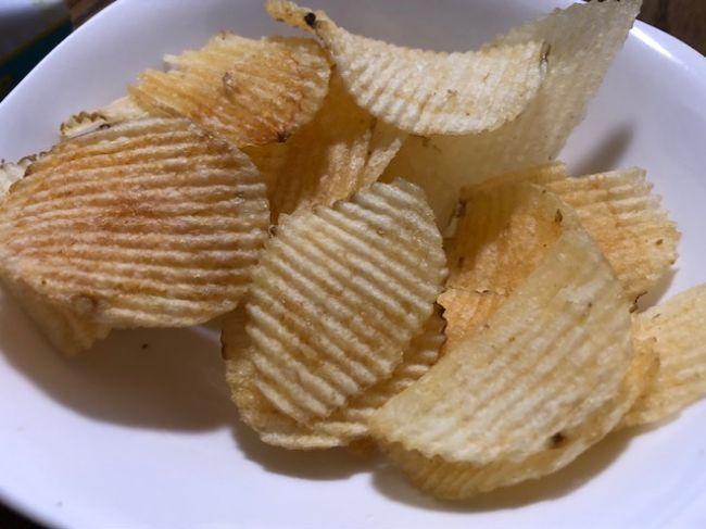 ウェーブカットの塩レモンチップス