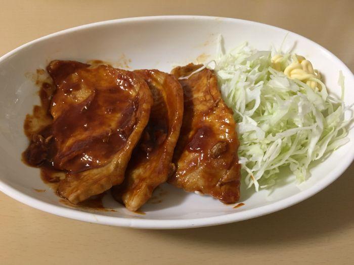 豚肉といちやの味噌だれで炒める