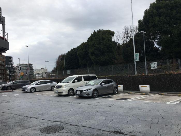 代々木パーキングエリア駐車場の様子