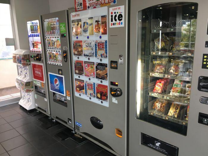 代々木PA2階の自販機コーナー