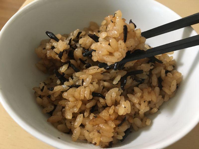 まじっくひじきとお米が混ざっている